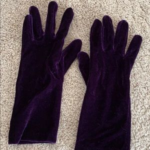 Velvet looking - beautiful PURPLE gloves